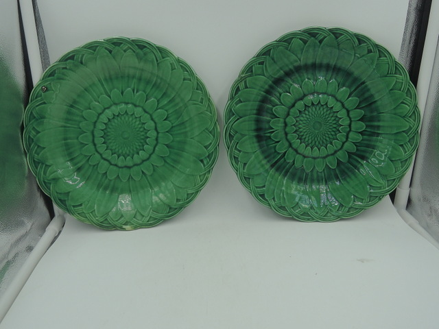 Antique Wedgwood Pair of Green Majolica Sunflower Plates 1880's