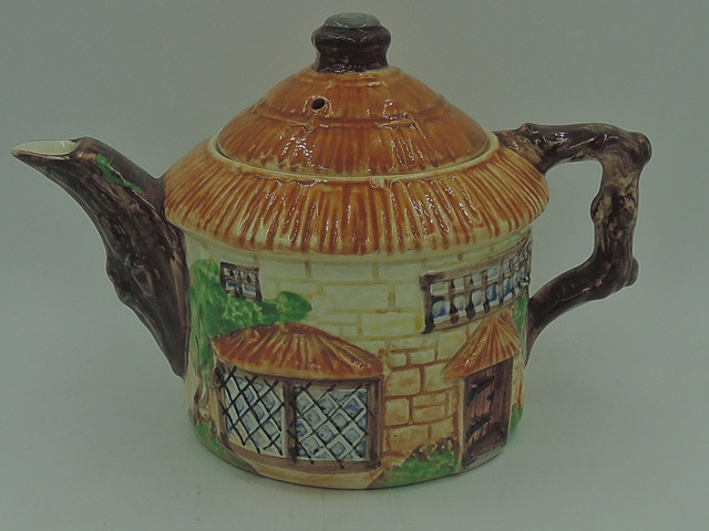 Vintage Beswick English Thatched Roof Cottage Ware Teapot