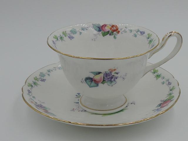 Vintage Shelley Hampton Court Cup & Saucer Gainsborough 11427 Pattern