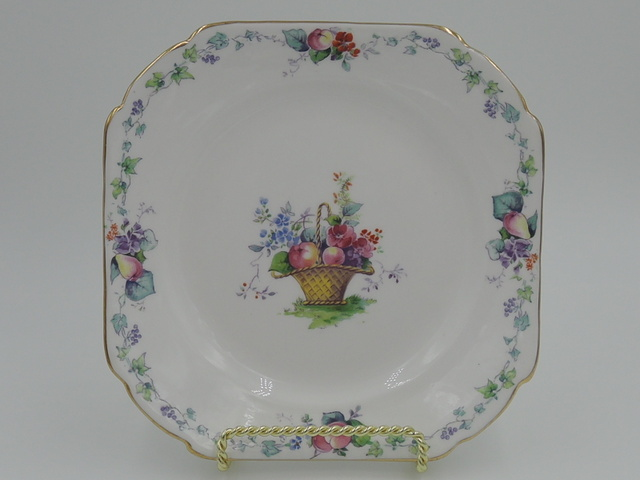 """Vintage Shelley Hampton Court 6.25"""" Square Tea Plate"""
