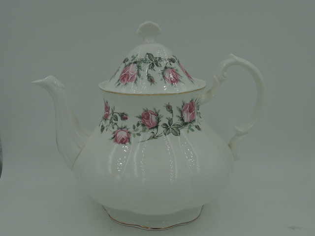 Mayfair Pottery White Pink Roses The Wedding Shape Teapot Fine Bone China