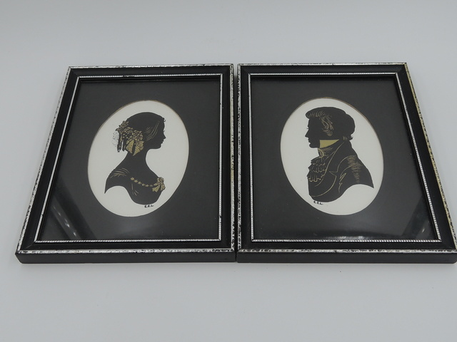 Vintage Pair of English Framed Portraits Silhouettes Pictures Paintings