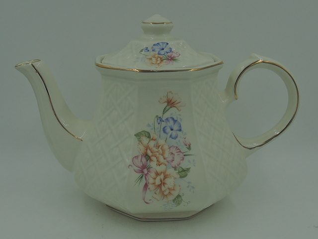 Vintage Sadler Windsor Teapot Carnations Embossed Trellis
