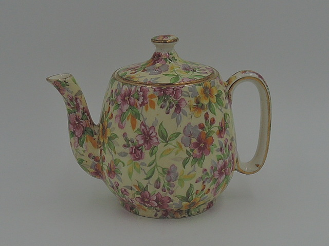 Vintage Royal Winton Chintz Estelle Breakfast Set Teapot Tea for One Countess