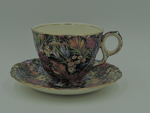 Vintage Royal Winton Chintz Black Crocus Triumph Cup & Saucer Teacup