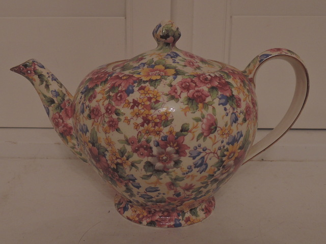 Vintage Royal Winton Chintz Cheadle Albans 4 Cup Teapot