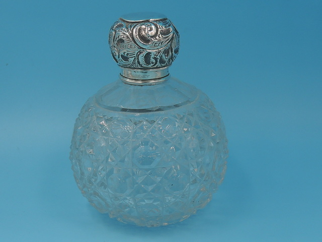 Antique English Sterling Silver Lid & Cut Glass Perfume Bottle w/Dauber