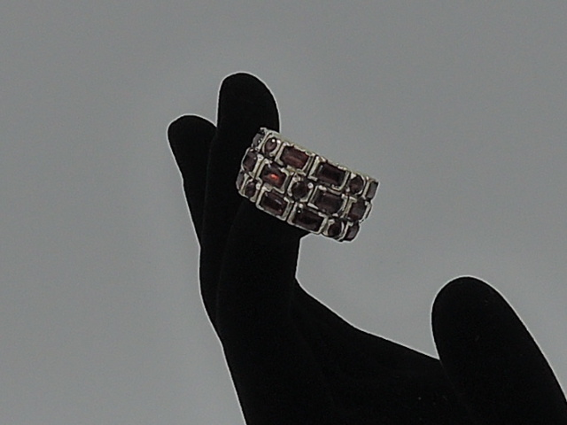 Vintage Red Garnet Marcasite 19 Gemstones & 925 Sterling Silver Ladies Ring Size 7