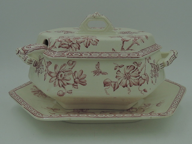 Antique Wedgwood Clematis Red Transferware Soup Tureen, Underplate, Ladle
