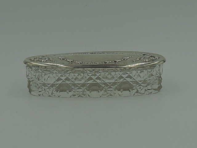 Antique Ornate Sterling Silver Lid & Cut Glass Vanity Jar/Box Chester 1911