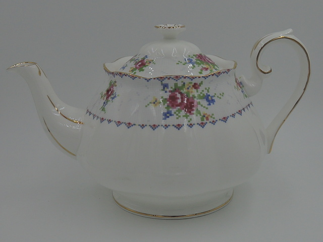Vintage Royal Albert Petit Point China Large Teapot 5 Cup