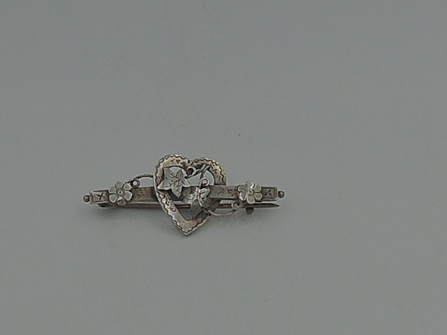 Antique English Sterling Silver Heart & Maple Leaves Brooch Pin Hallmark 1915