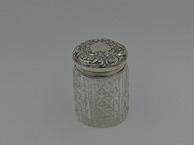 Antique English Repousse Sterling Silver Lid & Star Cut Base Glass Vanity Jar 1899