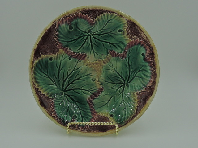 Gorgeous Antique Majolica Green Leaf & Brown/Pink Geranium Plate 1800's