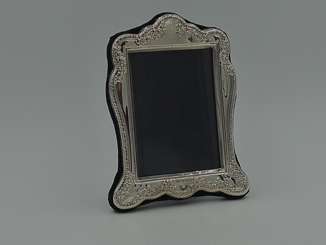 "Vintage English Ornate Sterling Silver Photo Frame 2"" x 3"" Picture London"